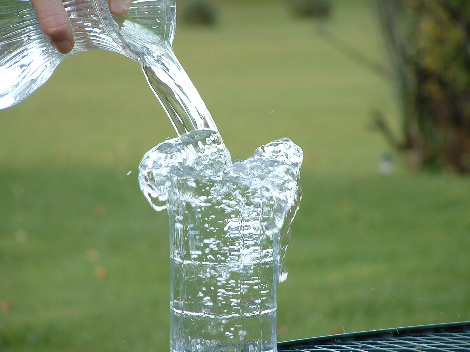 overflowing-glass-3-1259014.jpg